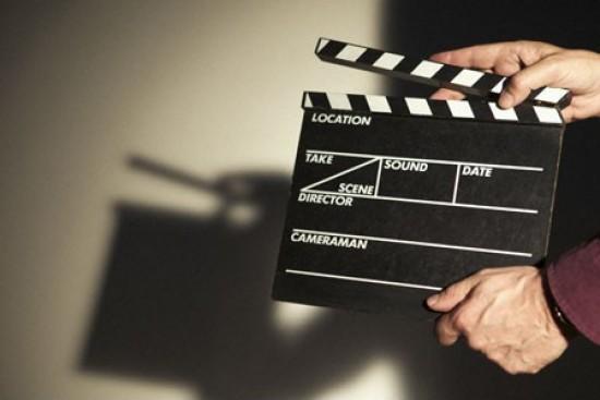 Cinco 'pelis' para comunicadores que quieren hundir el sofá