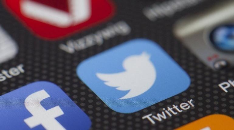 Día de las Redes Sociales: Observar, Escuchar y Actuar